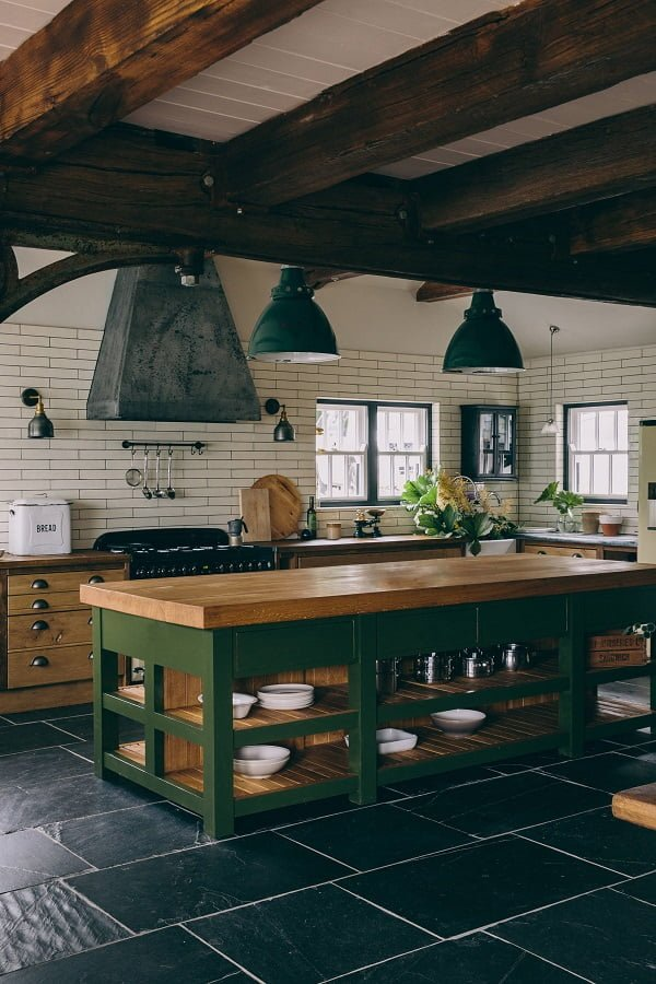 You have to see this #farmhousekitchen decor idea with white tile walls and I-shaped floors. Love it! #FarmhouseKitchen #HomeDecorIdeas