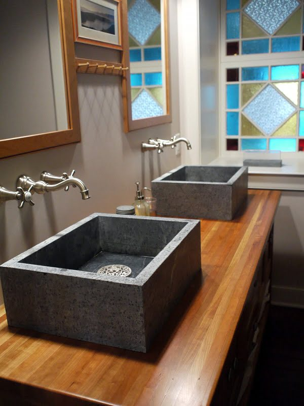 100 Inspiring Farmhouse Sink Ideas for the Kitchen and Bathroom - You have to see this #farmhousesink decor idea with metalic faucets and fancy sink drain strainers. Love it! #FarmhouseSinkDecor #HomeDecorIdeas