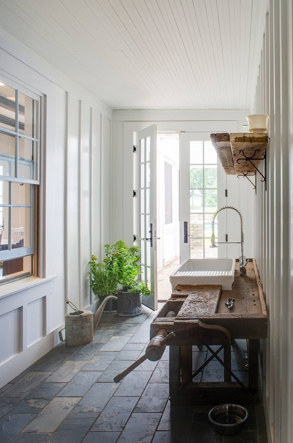100 Inspiring Farmhouse Sink Ideas for the Kitchen and Bathroom - You have to see this sink decor idea with expanded surface for utensils and U-Shaped faucet. Love it!