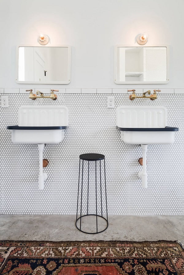 100 Inspiring Farmhouse Sink Ideas for the Kitchen and Bathroom - You have to see this #farmhousesink decor idea with double-handle retro faucet and background mosaic wall. Love it! #FarmhouseSinkDecor #HomeDecorIdeas