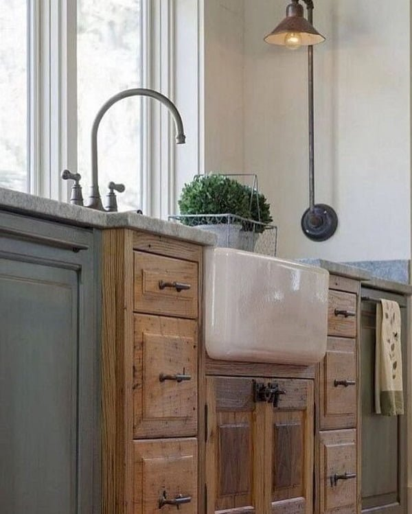 100 Inspiring Farmhouse Sink Ideas for the Kitchen and Bathroom - You have to see this #farmhousesink decor idea with widespread double-handle faucet and marble countertops. Love it! #FarmhouseSinkDecor #HomeDecorIdeas