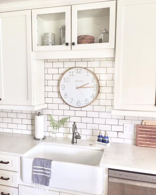 100 Inspiring Farmhouse Sink Ideas for the Kitchen and Bathroom - You have to see this #farmhousesink decor idea with romantic soap containers holder and practical towel holder. Love it! #FarmhouseSinkDecor #HomeDecorIdeas