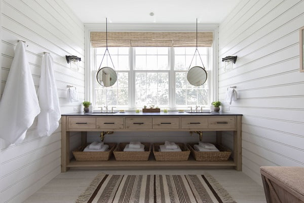 100 Inspiring Farmhouse Sink Ideas for the Kitchen and Bathroom - You have to see this sink decor idea with double undermount sink set and and widespread metalic faucets. Love it!