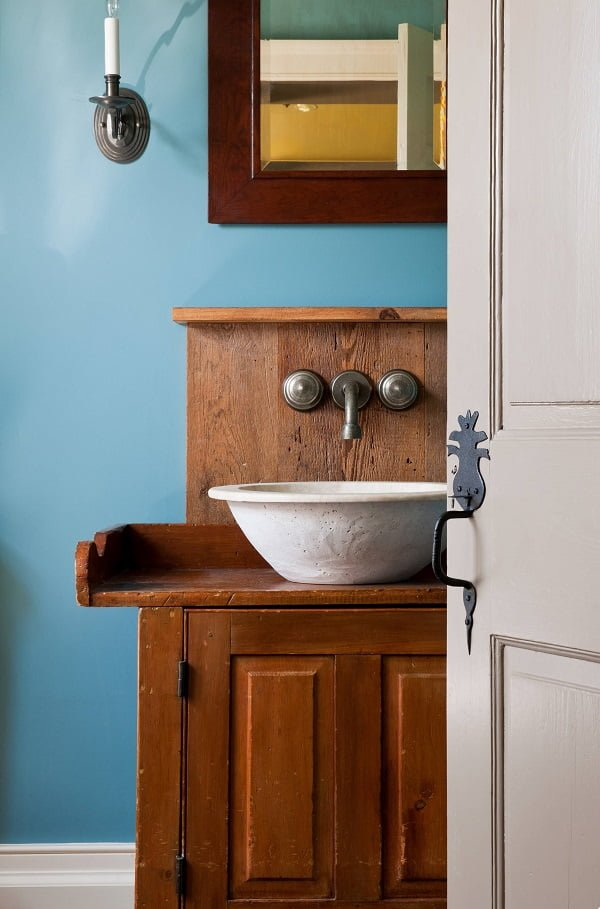 100 Inspiring Farmhouse Sink Ideas for the Kitchen and Bathroom - You have to see this sink decor idea with wall-mount faucet and over-the-sink shelf. Love it!