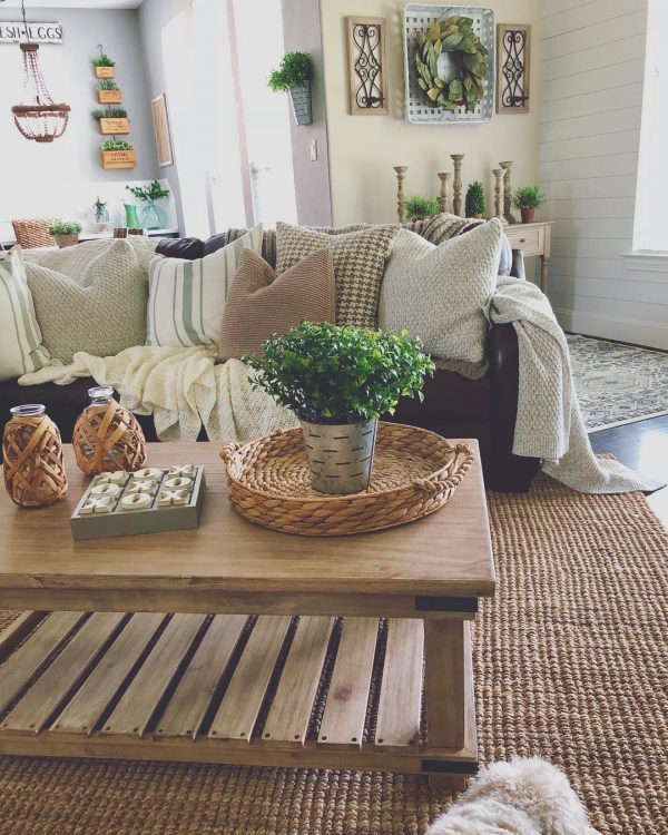 living room decor idea with a woolen carpet and handmade wooden ornaments. Love it!