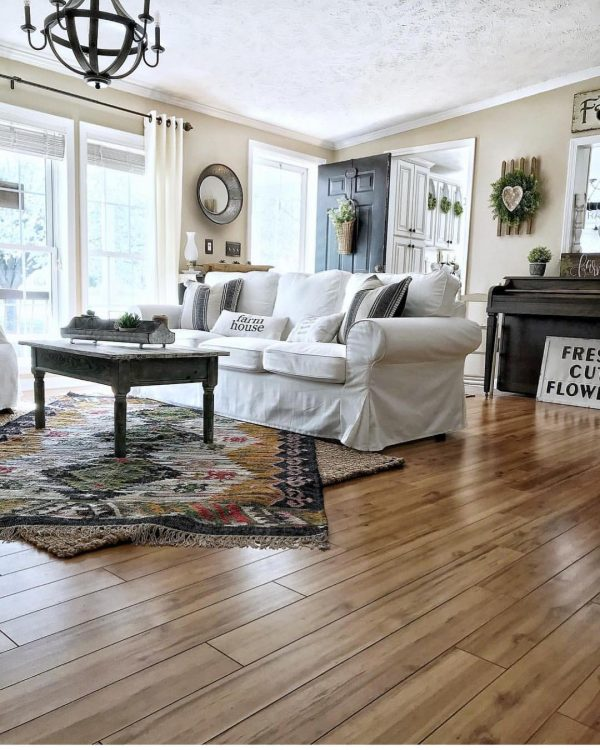 living room decor idea with double-layered carpeting and multiple door entrances. Love it!