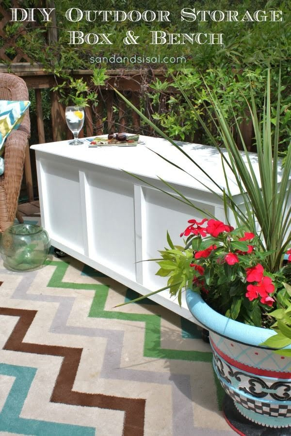 Great idea! Check out the tutorial on how to make a #DIY outdoor storage bench. #HomeDecorIdeas
