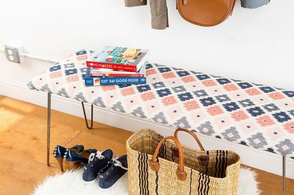 Check out the tutorial on how to make a #DIY kilim bench. Looks easy enough! #HomeDecorIdeas