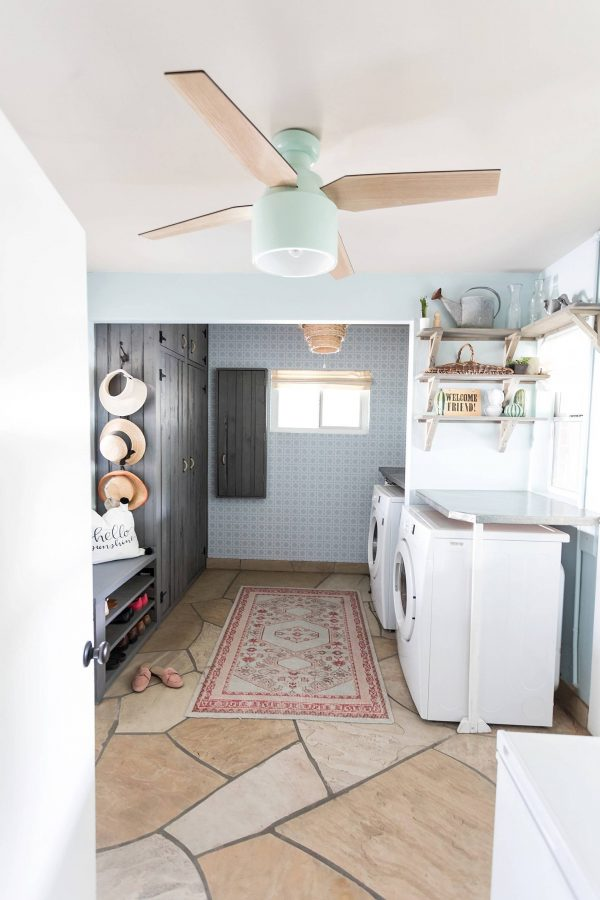 100 Fabulous Laundry Room Decor Ideas You Can Copy - You have to see this #laundryroom decor idea with stone-collage flooring and an arrabic carpet. Love it! #LaundryRoomDecor #HomeDecorIdeas