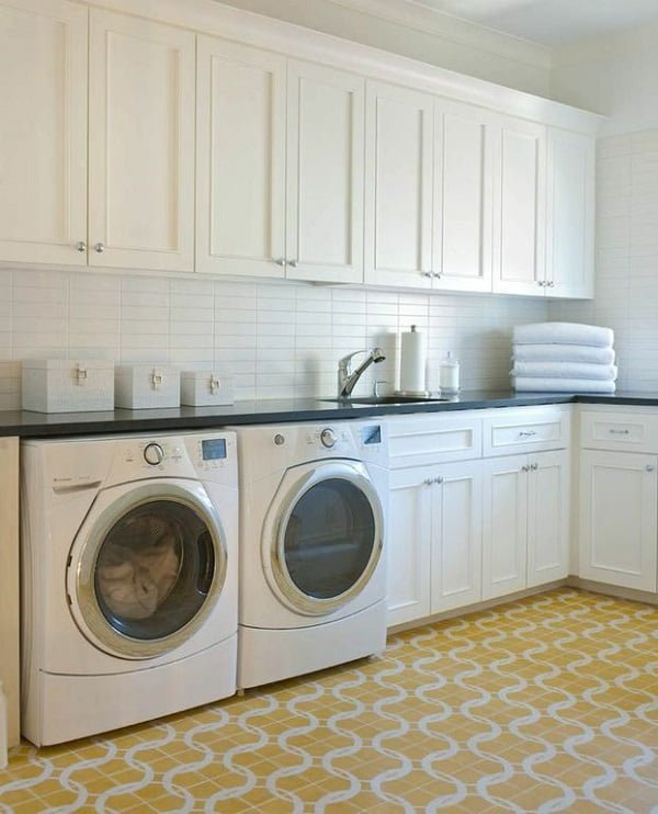 100 Fabulous Laundry Room Decor Ideas You Can Copy - You have to see this #laundryroom decor idea with grand space and white, retro storage space. Love it! #LaundryRoomDecor #HomeDecorIdeas