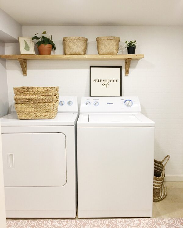 100 Fabulous Laundry Room Decor Ideas You Can Copy - You have to see this #laundryroom decor idea with hand-made wood shelf and simplified patterned flooring. Love it! #LaundryRoomDecor #HomeDecorIdeas