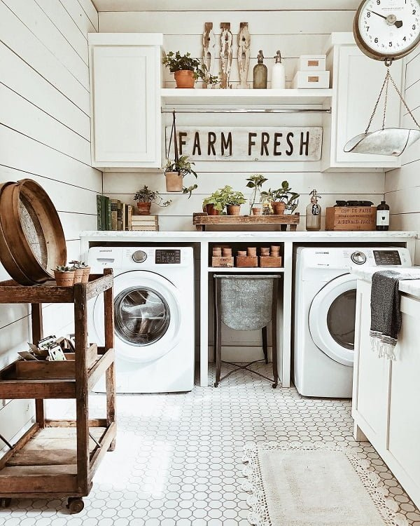 100 Fabulous Laundry Room Decor Ideas You Can Copy - You have to see this #laundryroom decor idea with rustic elements and vintage shelf racks. Love it! #LaundryRoomDecor #HomeDecorIdeas