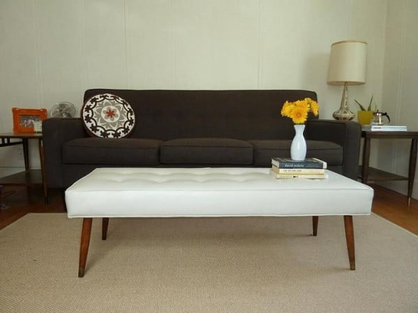Check out the tutorial on how to make a #DIY mid century modern bench. Looks easy enough! #HomeDecorIdeas