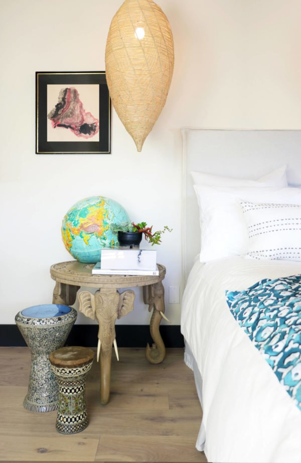 decor idea with etno-printed set of darbukas and hanging sky lantern lamp. Love it!
