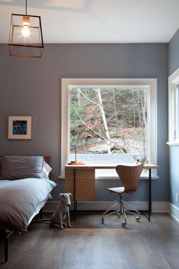decor idea with low vast window and hadrwood floors. Love it!