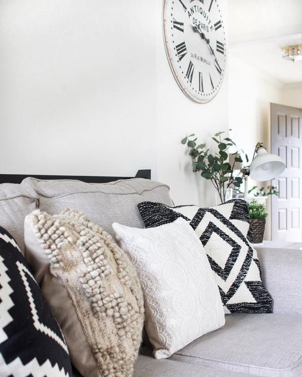 decor idea with an ivory couch and metalic neutral office lamp. Love it!