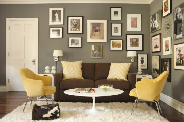 decor idea with fuzzy white rug and dark hardwood floors. Love it!