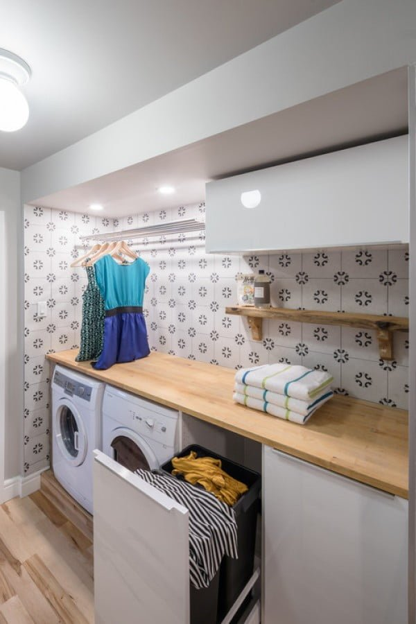 100 Fabulous Laundry Room Decor Ideas You Can Copy - You have to see this laundry room decor idea with pattern tile walls. Love it! #HomeDecorIdeas #LaundryRoomDesign