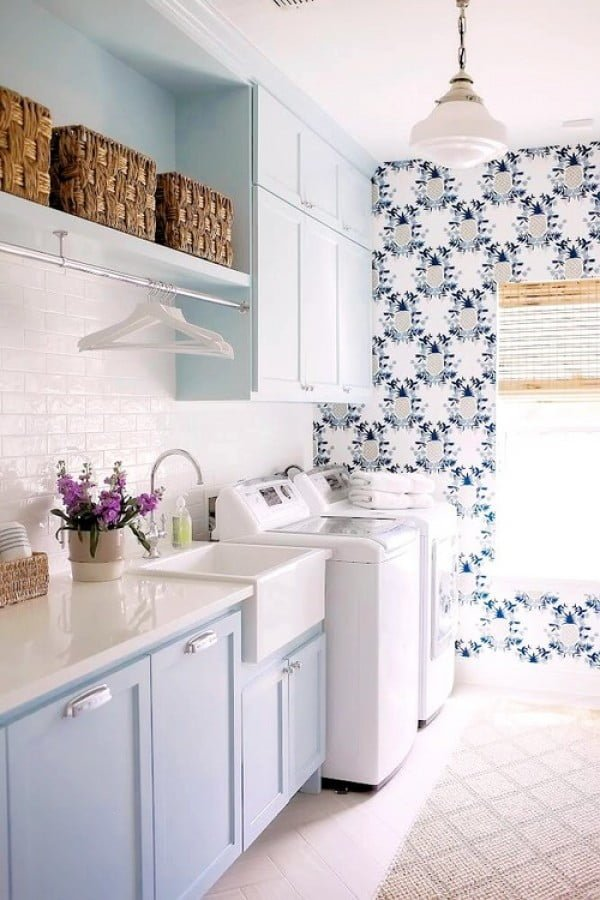100 Fabulous Laundry Room Decor Ideas You Can Copy - You have to see this #farmhouse laundry room decor idea with pattern wallpaper. Love it! #HomeDecorIdeas #LaundryRoomDesign