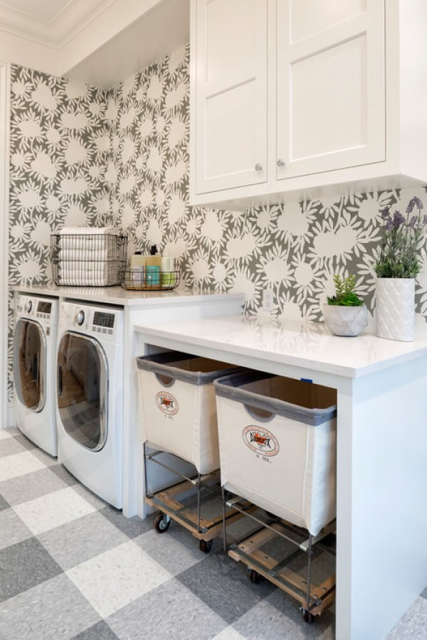 100 Fabulous Laundry Room Decor Ideas You Can Copy - You have to see this laundry room decor idea with artisan wallpaper. Love it! #HomeDecorIdeas #LaundryRoomDesign