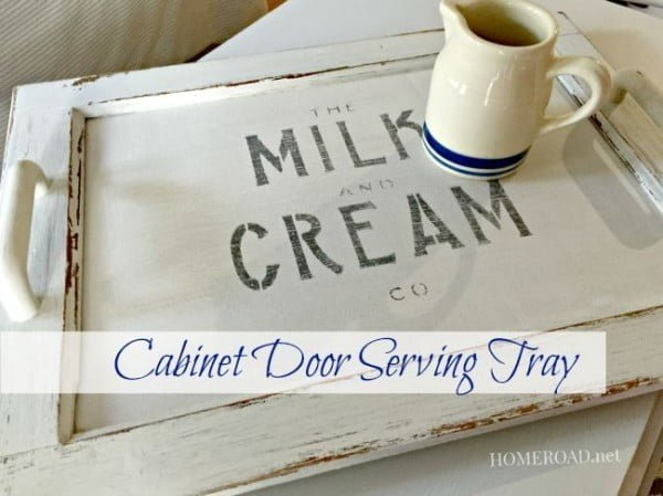 Check out the tutorial on how to make a #DIY #farmhouse cabinet door serving tray. Looks easy enough! #HomeDecorIdeas