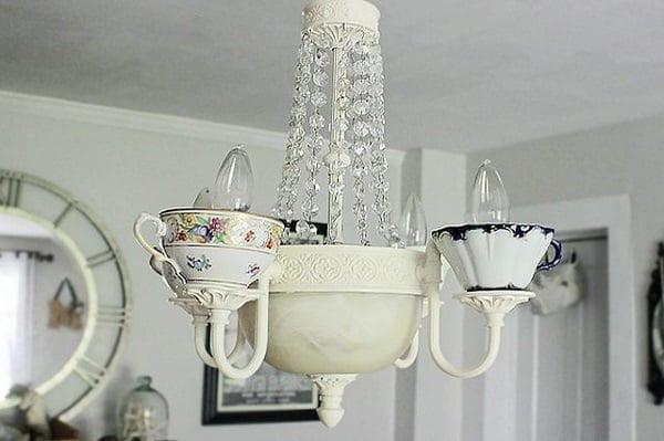 Flamboyant DIY Tea Cup Chandelier Chandelier #DIY #homedecor