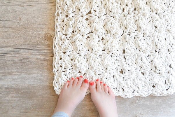 How to make a #DIY DIY Bathroom Rope Rug