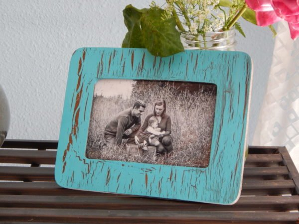 20 Easy DIY Picture Frame Tutorials for Your Next Project - How to make a  Cracked Paint Picture Frame