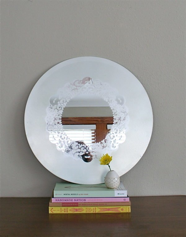 50 Fab DIY Mirror Frames You Can Easily Make Yourself - How to make a DIY doily mirror #DIY #homedecor