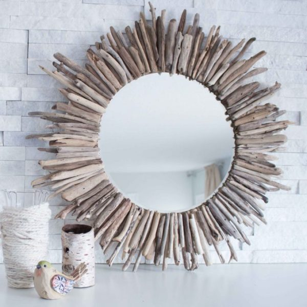 How to make a DIY driftwood mirror #DIY #homedecor