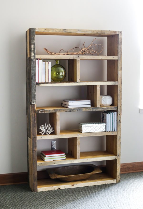 How to make a  Palette Bookshelf