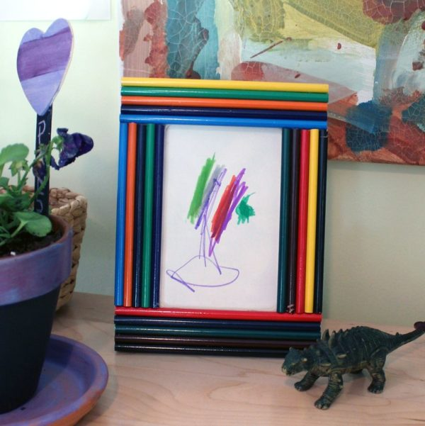 20 Easy DIY Picture Frame Tutorials for Your Next Project - How to make a #DIY Pencil Picture Frame #homedecor