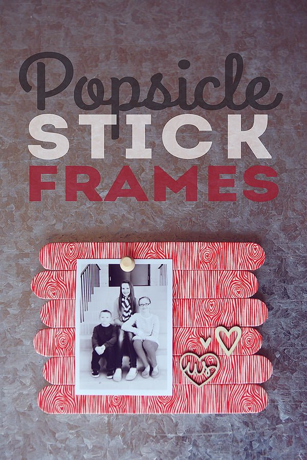 20 Easy DIY Picture Frame Tutorials for Your Next Project - How to make a #DIY Picture Frame from Popsicle Sticks #homedecor