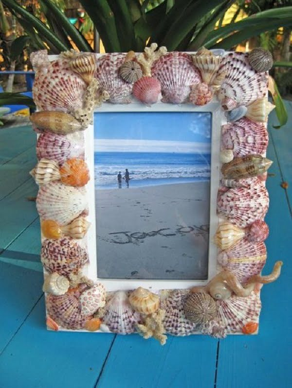 20 Easy DIY Picture Frame Tutorials for Your Next Project - How to make a #DIY Shell Picture Frame #homedecor