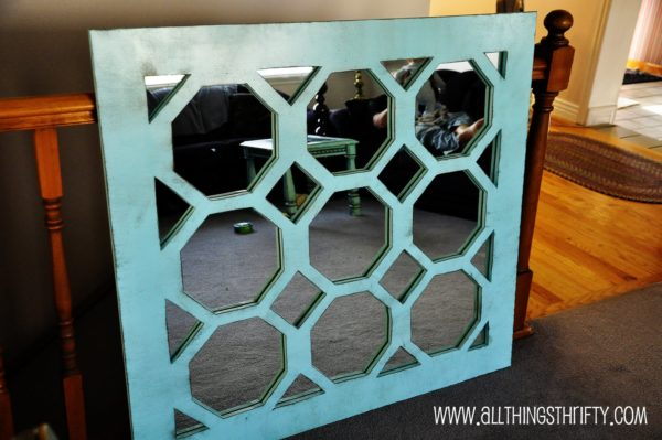 50 Fab DIY Mirror Frames You Can Easily Make Yourself - How to make a DIY turquoise mirror #DIY #homedecor