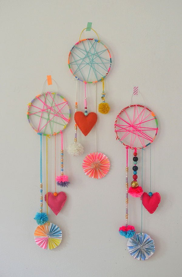 How to make a  colorful dreamcatcher for kids
