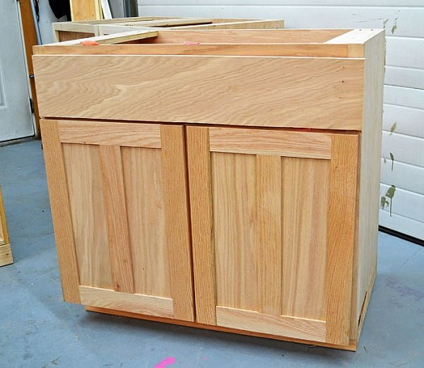 How to build  kitchen cabinets with sink base
