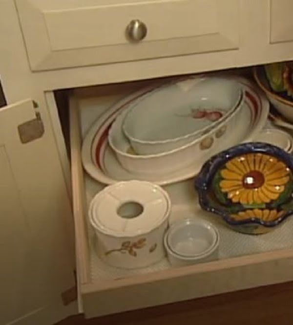 How to make  kitchen cabinets with pullout shelves
