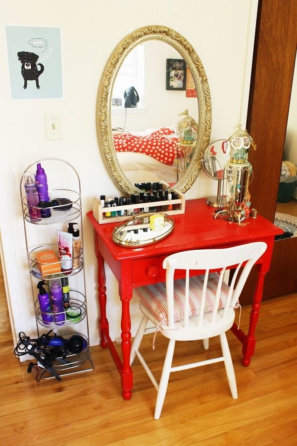 How to make a #DIY makeup vanity table on a budget #homedecor