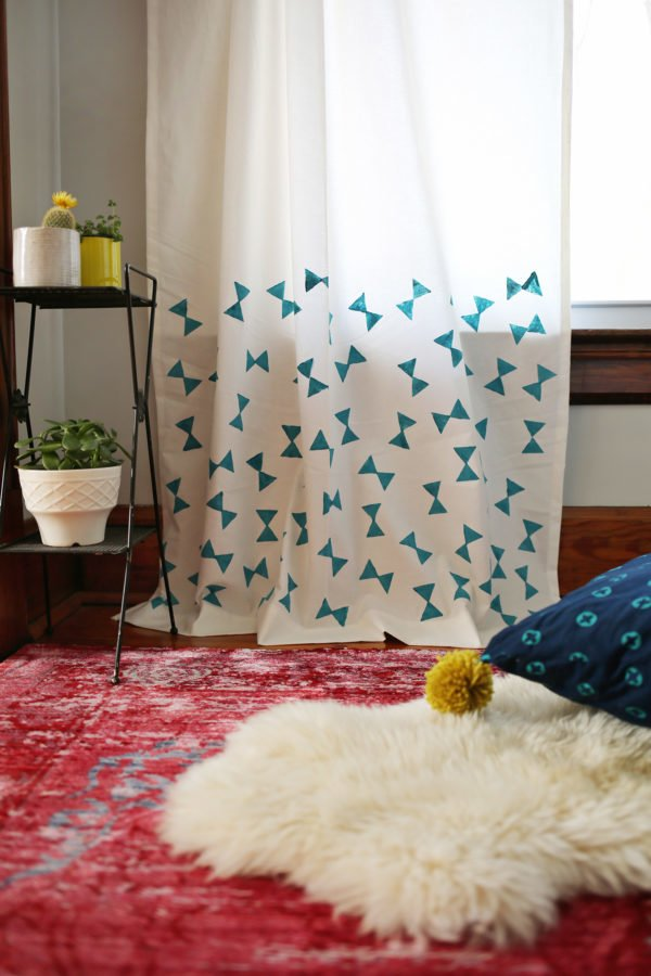 How to make  Potato Stamp Curtains