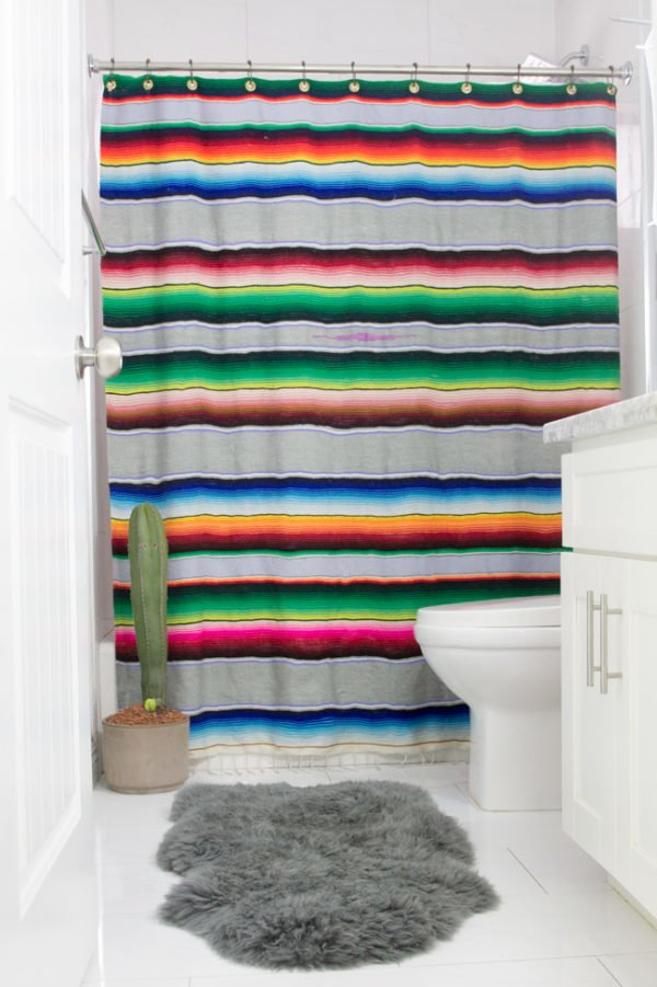 How to make #DIY Serape Shower Curtains #homedecor