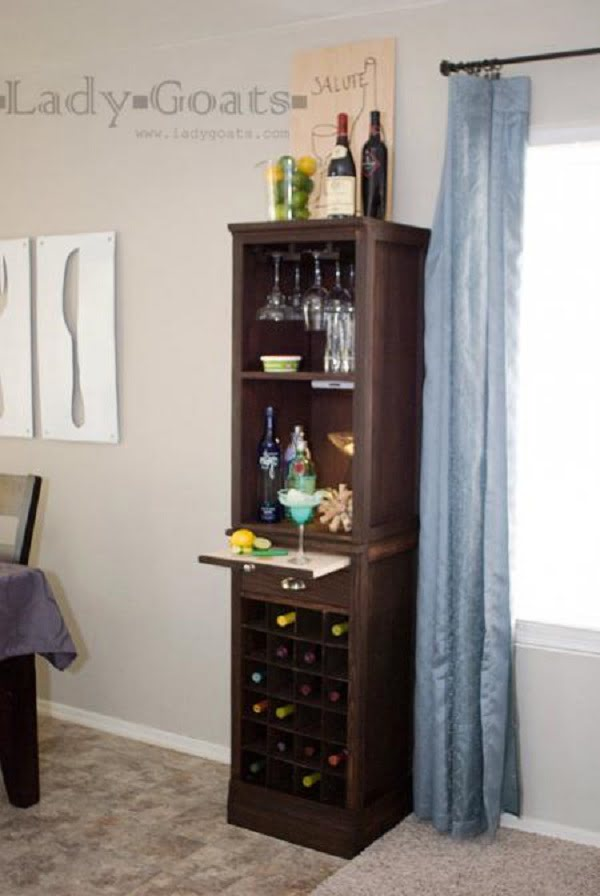 How to build a #DIY Wine Grid Hutch #homedecor