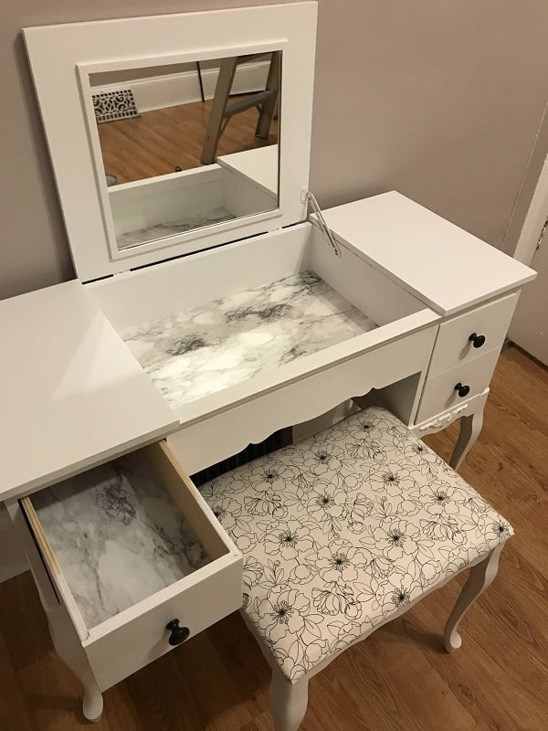 How To Make A #DIY Refurbished Makeup Vanity Table #homedecor