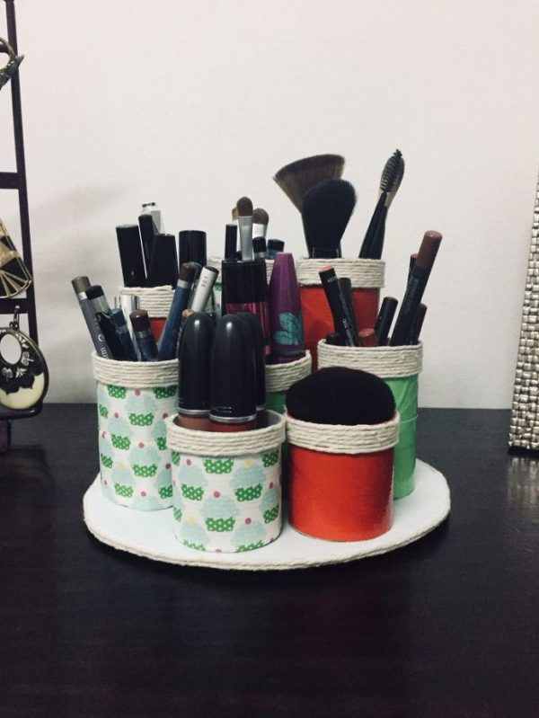 How to make a appealing DIY toilet rolls makeup organizer