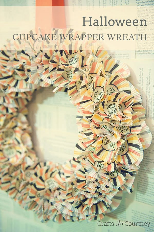 How to make a #DY Halloween wreath from cupcake wrappers #homedecor