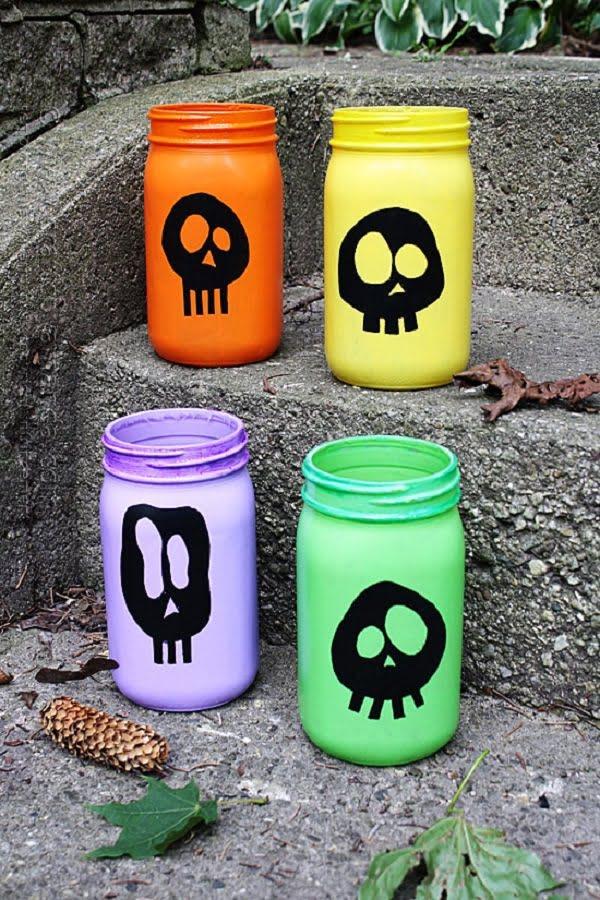 How to make  Halloween skull luminaries from mason jars