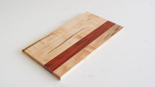 How to make a trendy DIY cutting board #DIY #homedecor