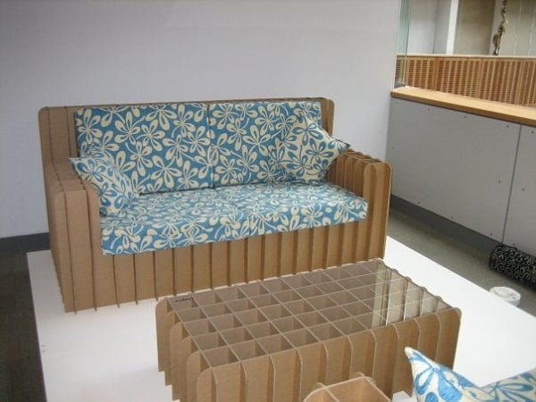 How to make a #DIY cardboard couch #homedecor