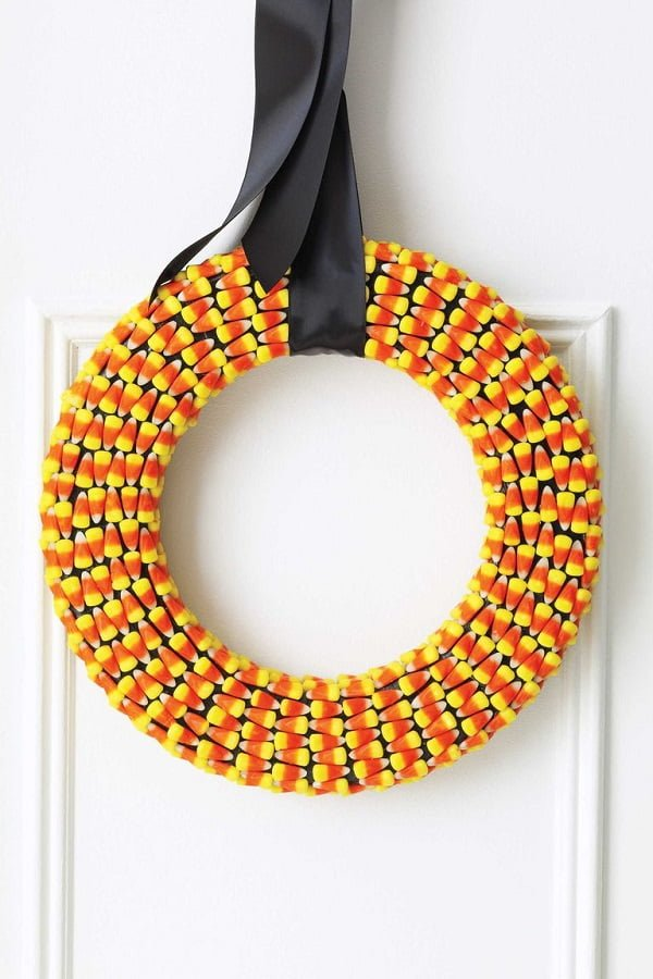 How to make a  corn candy Halloween wreath