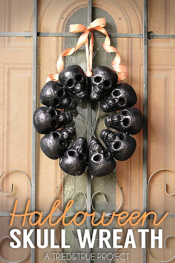 How to make a  Halloween black skull wreath
